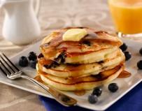 pancakes-aux-myrtilles-et-au-sirop-d-erable-4580