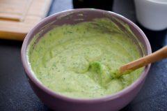 Salade_quinoa_legumes_croquants_sauce_avocat_yaourt (3 sur 8)