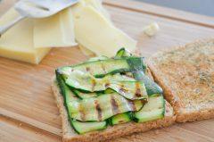 Croque_monsieur_vegetarien_courgettes_emmental (5 sur 9)