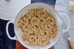 cinnamon_rolls_cocotte_coton_le_creuset-5-sur-15