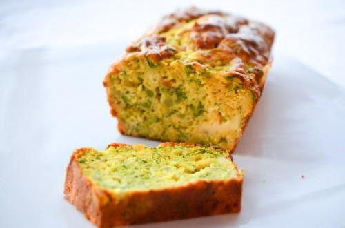 Cake fondant aux brocolis et colombo