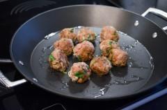 Boulettes_sauce_yaourt_menthe_semoule_curry (7 sur 11)