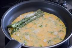 Omelette_roulée_asperge_coriandre (5 sur 11)