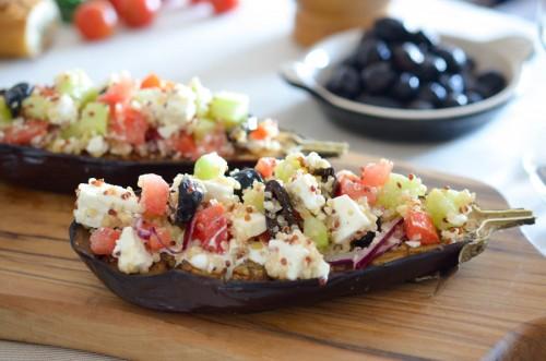 Salade Grecque en coque d'aubergine
