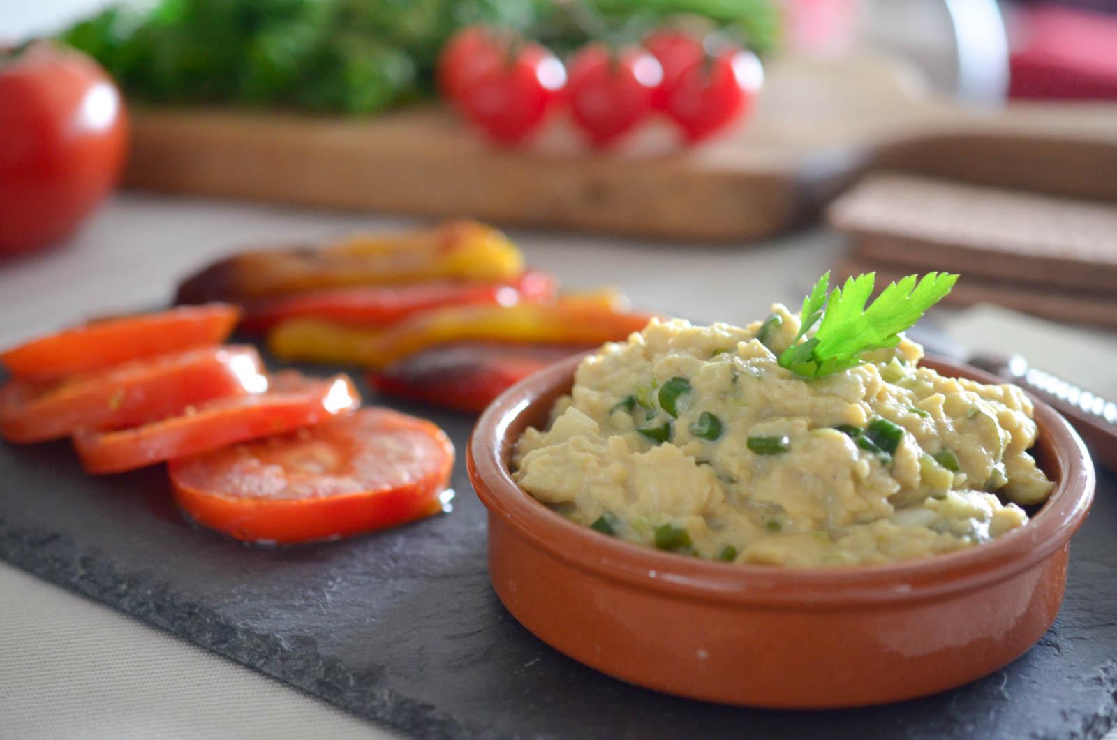 Oeufs Brouillés Oignons Nouveaux Légumes Grillés (9 Sur 11)