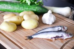 Sardines_grillées_pommes_de_terre_ail_concombre (1 sur 7)