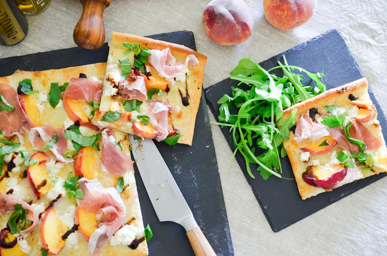 Pizza Peche Basilic Prosciutto 7 Sur 8