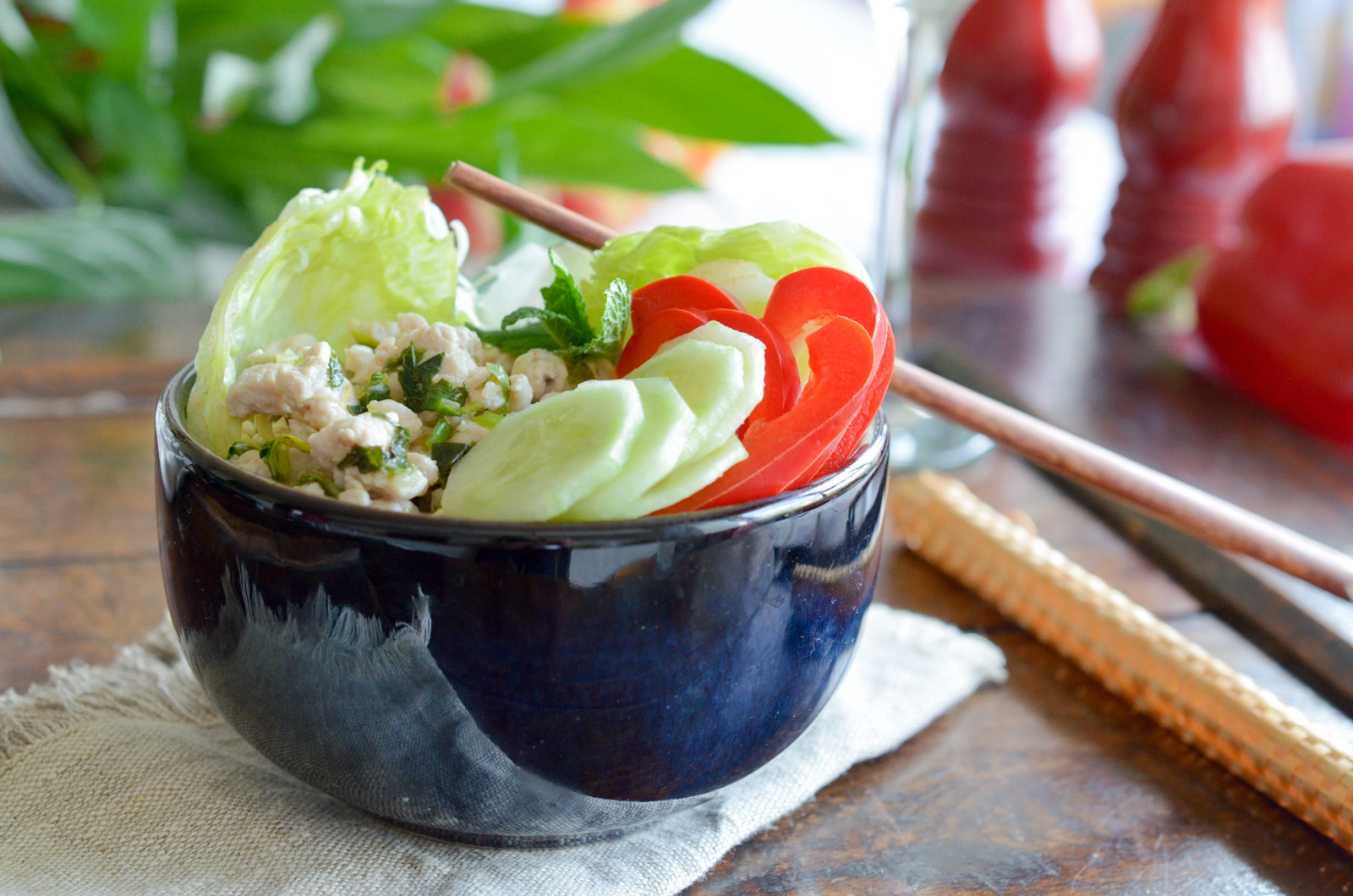 Salade Poulet Larb Kai (9 Sur 10)