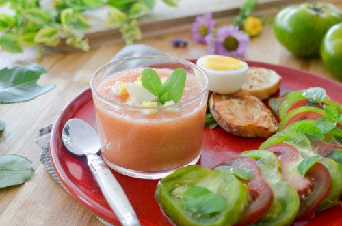 Gaspacho à la tomate et son assiette à la tomate
