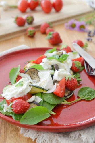 Salade de burrata à la fraise