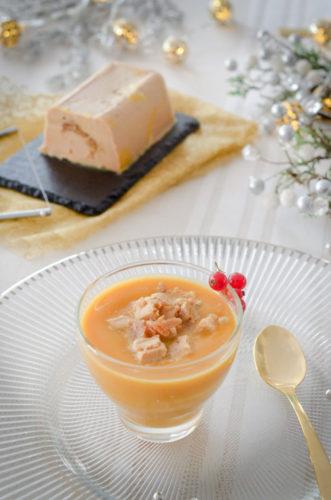Velouté de butternut au foie gras et figue et son croquant aux noix