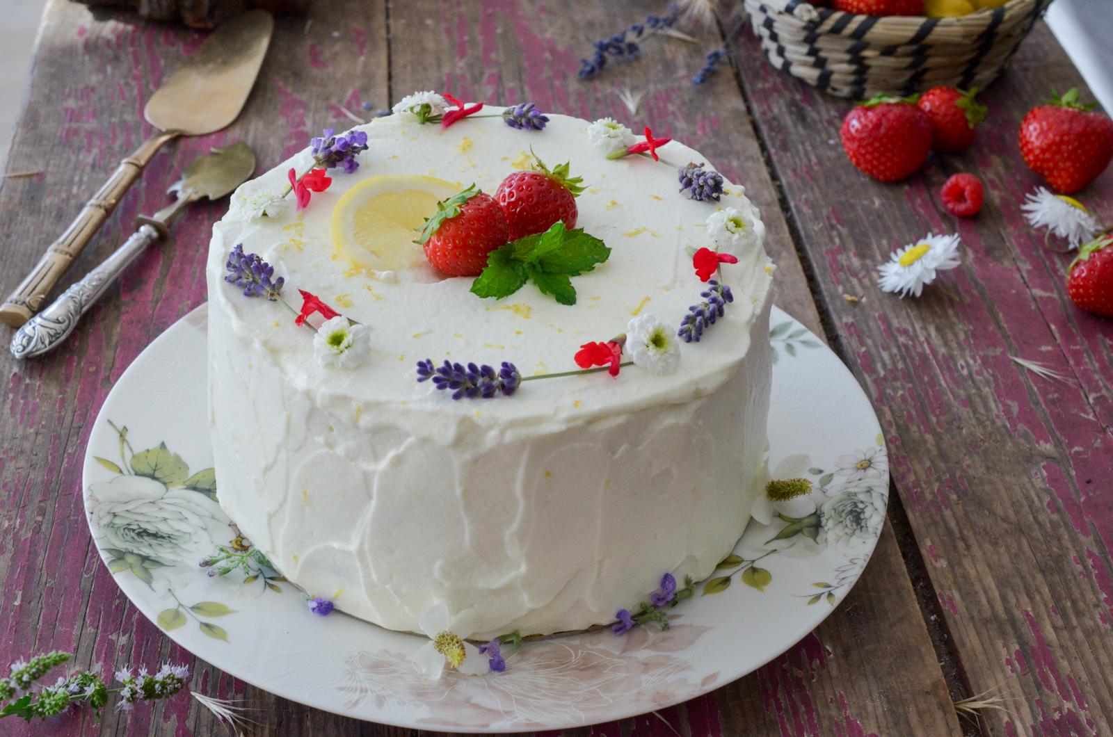 Layer cake citron fraise