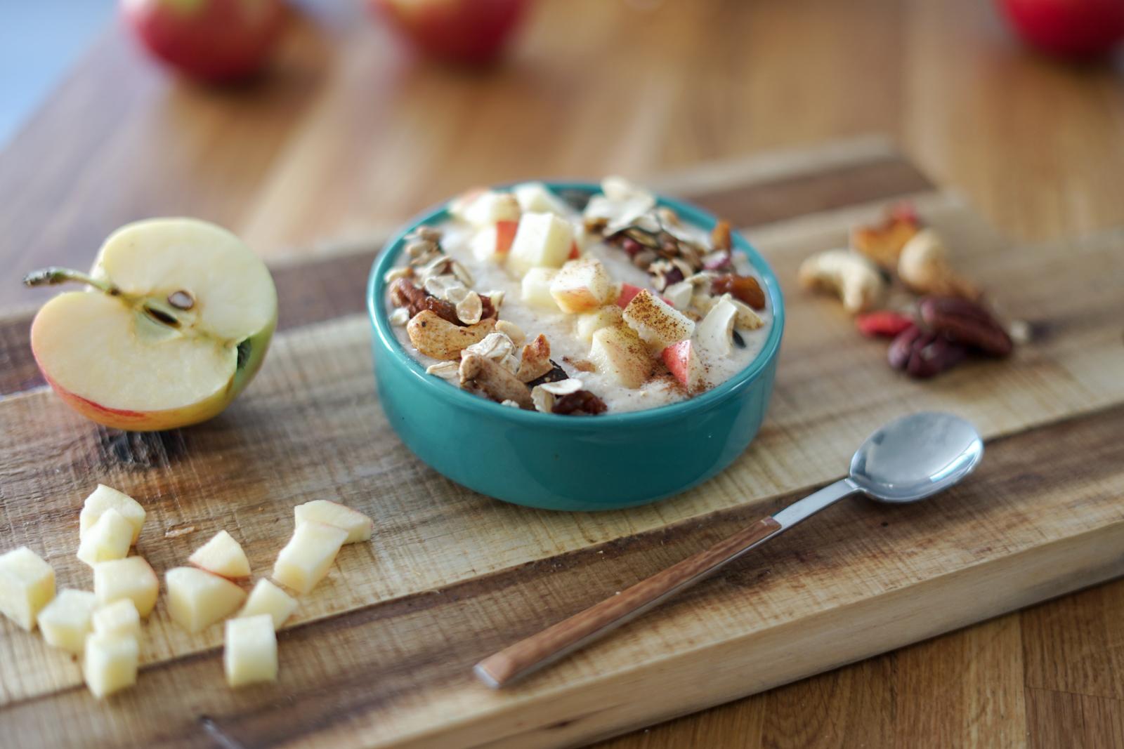 Smoothie bowl facon tarte aux pommes